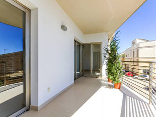 New modern apartment with terrace and bright interiors in the town of Sa Pobla