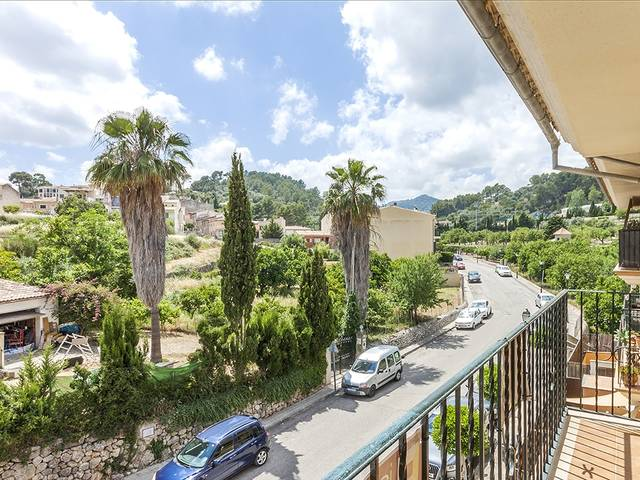 Wonderful apartment with mountain views, just a 2 minute walk from the town centre of Selva