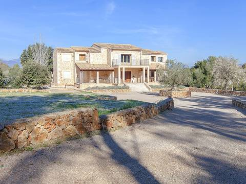 SEN5942 Stunning and stylish finca with lovely mountain views close to Costitx