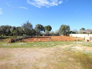 Charming country house for sale in Sineu with large plot