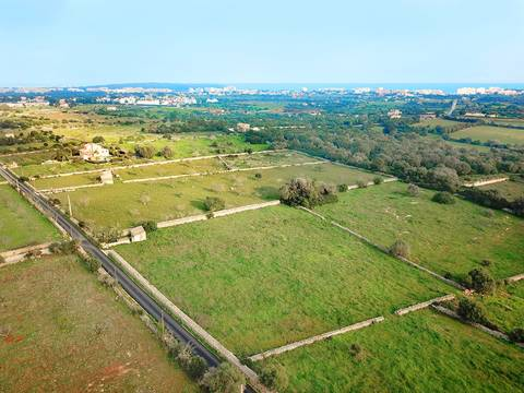 SLO0487 Plot with project for an 8 bedroom villa in Sant Llorenc