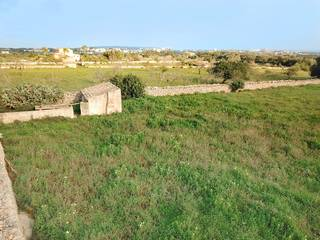 Plot with project for an 8 bedroom villa in Sant Llorenc
