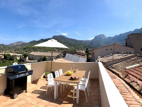 SOL11784 Centrally located 2 bedroom duplex in the picturesque town of Soller