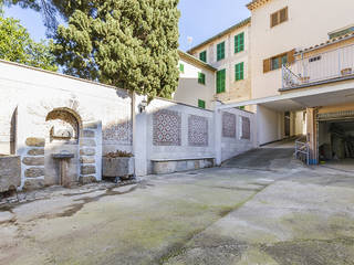 Adaptable property ideal as a house, commercial property or both in Sóller