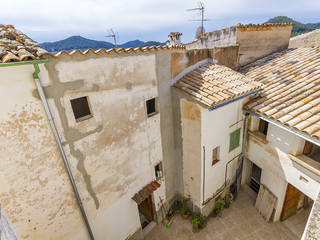 Investment opportunity of four buildings with lots of potential in Andratx