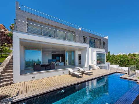 SWOBEN40072 Fabulous 3 bedroom villa with private pool and panoramic views in Bendinat