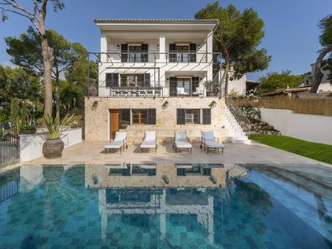 SWOBEN40125 Fabulous 3 storey villa, walking distance from the beach in Bendinat