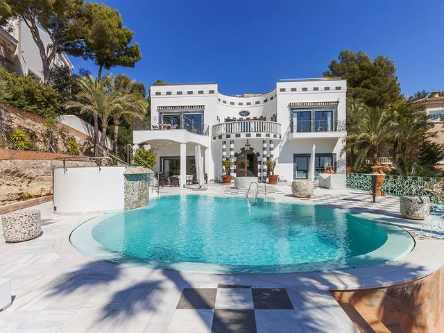 Impressive villa with luxury finishing in Bendinat