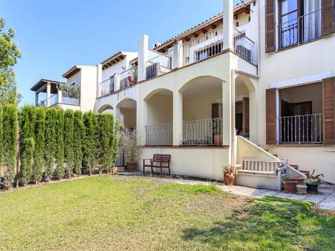 SWOBEN4649 Townhouse for sale in Bendinat with 2 terraces and a private garden