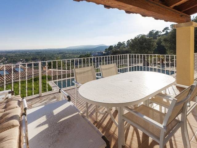 Superb house for sale in Bunyola with panoramic views over the bay of Palma and the mountains