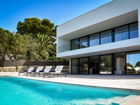 SWOCAD40205 Modern luxury villa frontline to the sea in Cala d'Or
