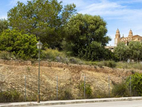 SWOCAL0180 Fantastic piece of land in the village of Calvià
