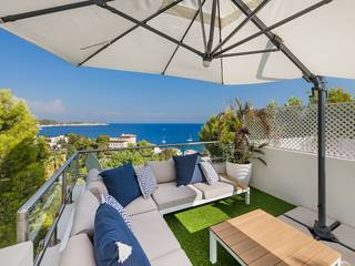 Spectacular duplex penthouse with sea views in Cas Català