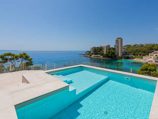 Brand new villa with direct access to the sea in an exclusive area of Cas Català
