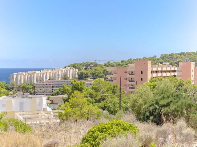 Plot with sea view for sale in Cala Vinyes