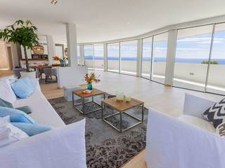 Sunning penthouse for sale in Cala Vinyes with sea views
