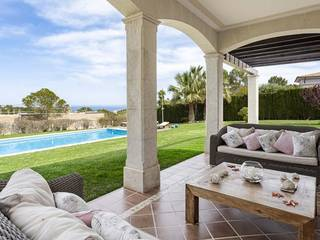 Villa in elevated position with open sea views in Cala Vinyes