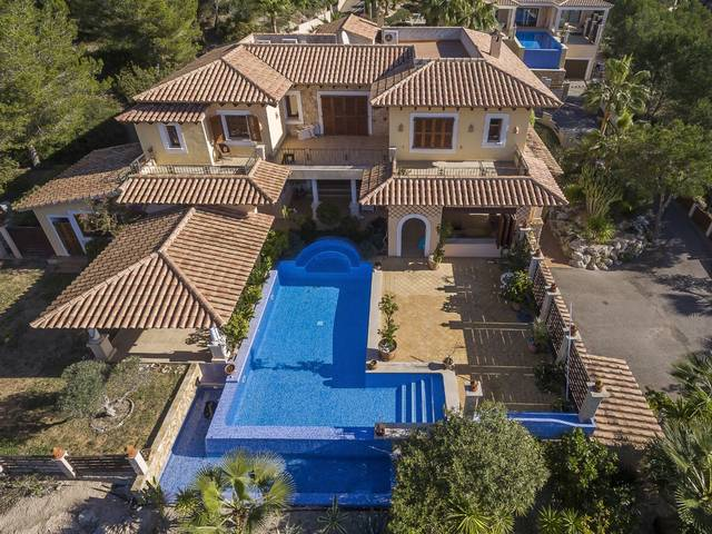 Spacious villa with private pool in Costa de la Calma