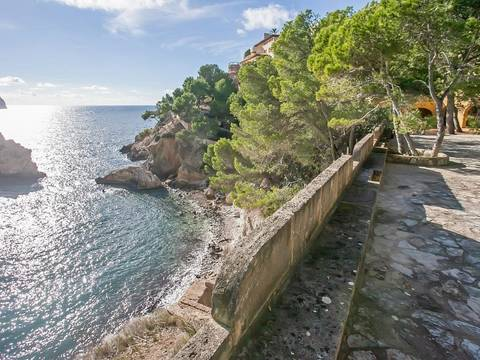 SWOCDM0142BPO Large plot for sale in Camp de Mar, with sea views