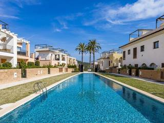 Terraced house near the golf course of Camp de Mar and 10 minutes from the beach