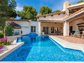 Villa in natural surroundings with sea view for sale in Camp de Mar