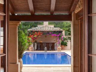 Villa with guest house and pool in Camp de Mar