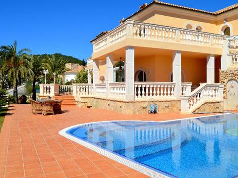 SWOCDM4270 Villa for sale in Camp de Mar with fantastic sea views