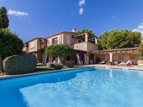 SWOCDM4511 Fantastic Villa of natural stone for sale in Camp de Mar