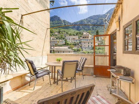 SWODEI10211 Mountain view apartment with great potential in the picturesque village Deia