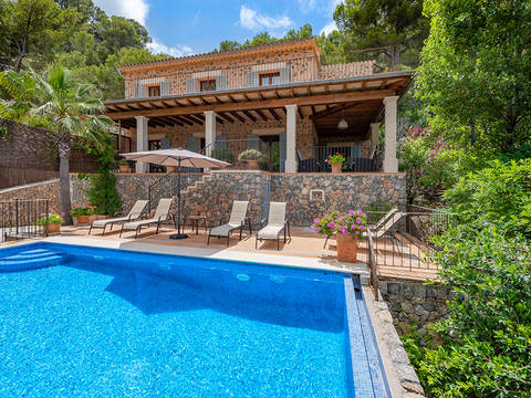 SWODEI40091 Luxurious villa with a tourist license, 100m from the beach in Cala Deia