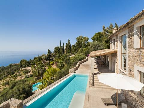 SWODEI4688 Fantastic villa in dream location right at the coast in Deia.