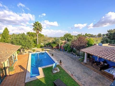 SWOEST5059 House with private pool and beautiful panoramic views in Establiments
