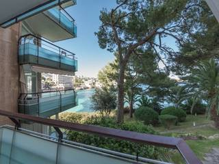 Modern, frontline apartment with amazing views in Illetas