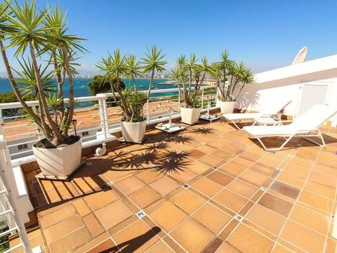 SWOLLU1753 Penthouse apartment with large roof terrace and fantastic sea view