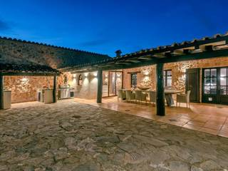 Rustic finca with large plot, private pool and artificial beach in Llucmajor