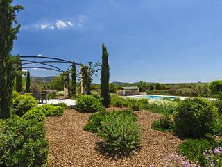 Villa with picturesque, private garden and pool in Llucmajor