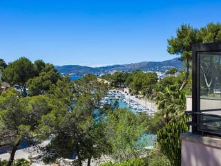 Apartment located opposite the charming yacht marina in Santa Ponsa