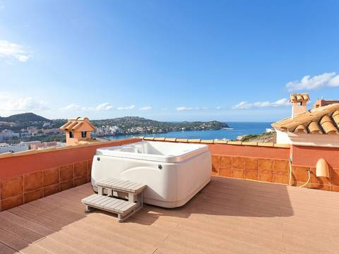 SWONSP1085 Duplex for sale in Santa Ponsa with sea views