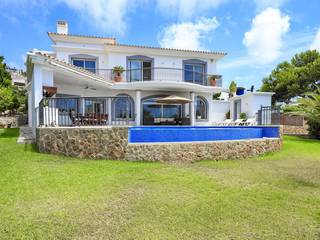 Fantastic 4 bedroom villa with sea views and pool in Santa Ponsa