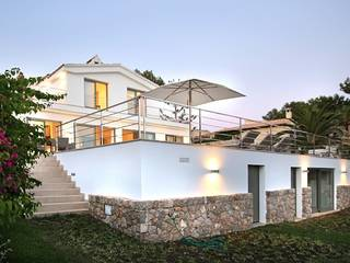 Luxury villa with guest apartment and sea views in Nova Santa Ponsa