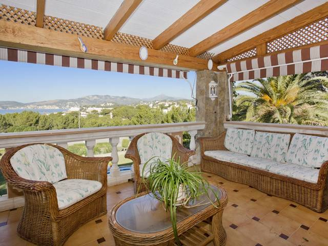 Great villa with stunning views and private pool for sale in Santa Ponsa