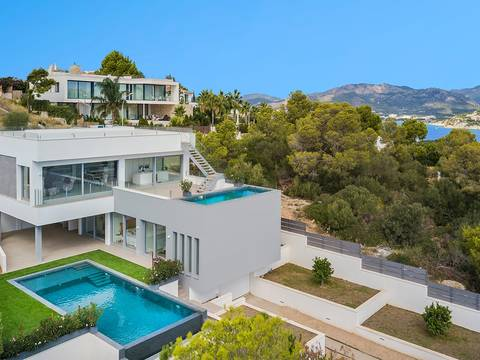 SWONSP4434 Fantastic villa for sale in Nova Santa Ponsa with sea views