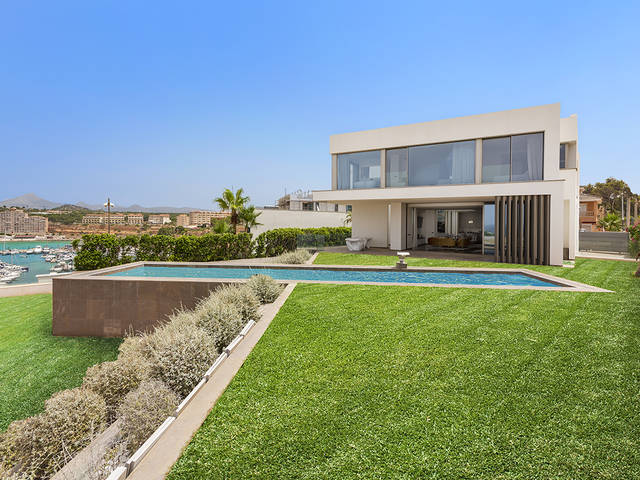 Fantastic villa with spectacular sea view in Port Adriano