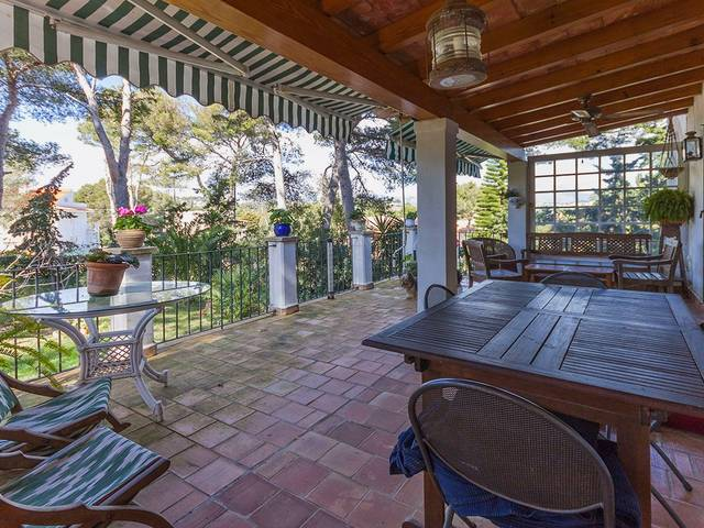 Rustic house for sale in Santa Ponsa with garden
