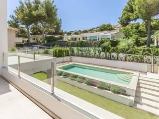 Modern villa close to the natural harbour of Santa Ponsa