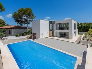 New built villa in a spectacular location with pool and picturesque garden