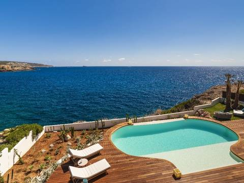 SWONSP4946 Breath-taking, seafront villa with infinity pool in Santa Ponsa