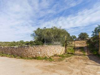 7500m2 rustic plot with sea views only a few minutes away from the centre of Palma