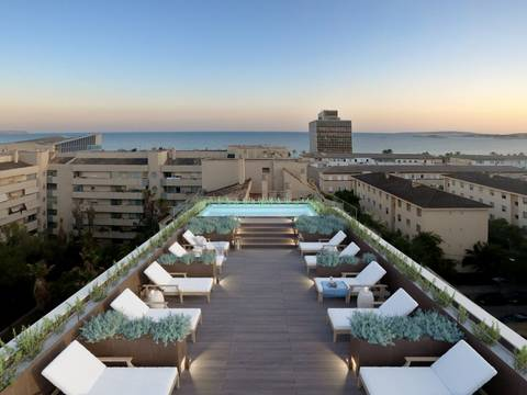 SWOPAL10125 Apartment with community gym, pool and sea views in Palma