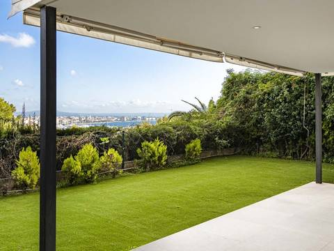 SWOPAL10245LT Spacious and light-filled apartment with private garden in Palma